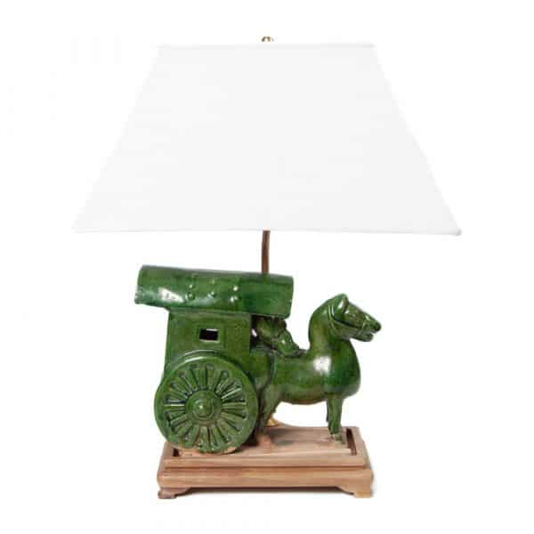 Horse and carriage pottery table lamp