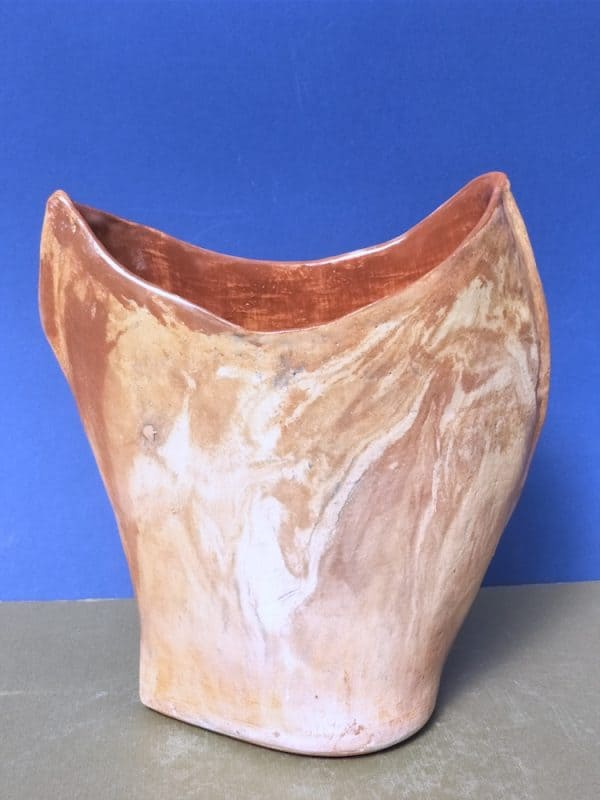 Elena Bozhko Marshall OZ . Red continent. Mixed clays. Glaze. 20sm l x 10 am w 24 am h 2021.front